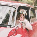 pose mariée vielle voiture de mariage cgregphoto photographe mariage