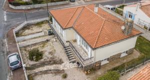 photo de drone à 13 mètres de hauteur vu en biais de la maison