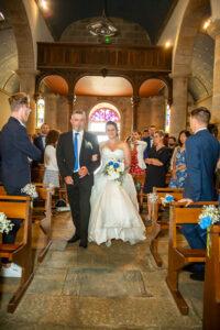 entrée église de la mariée